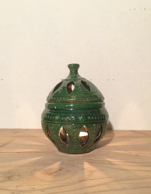 The small ceramic lantern in green