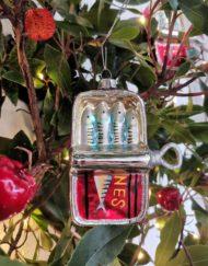 lata de sardinas vidrio elemento decorativo árbol de navidad
