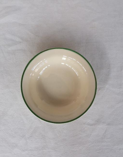 Plat de sopa de ceràmica decorada amb viu verd de La Bisbal d'Empordà